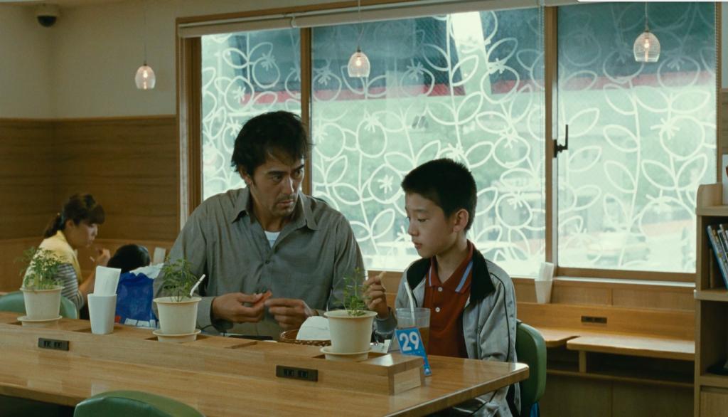 Ritratto di famiglia con tempesta di Kore'eda in prima visione al cinema  Astra – Cineforum Ezechiele 25:17